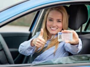 Beim aktuellen Bußgeldkatalog droht beim Erreichen von 8 Punkten der Entzug des Führerscheins