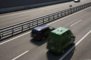 Es gibt keine allgemeine Höchstgeschwindigkeit auf deutschen Autobahnen