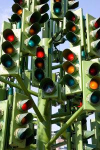 Rote Ampel überfahren? Ein Blitzer kann beweiskräftige Fotos erstellen.