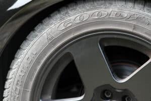 Runderneuerte Reifen können eine Alternative darstellen.