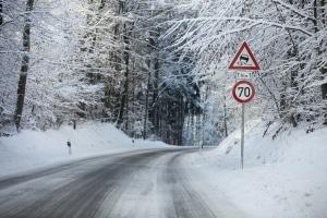 In Deutschland herrscht Winterreifenpflicht.