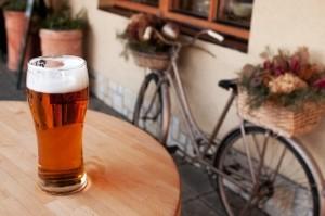 Unter Einfluss von Alkohol mit dem Fahrrad fahren