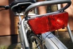 Ein Teil der Fahrradbeleuchtung: die Rückleuchte