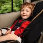 Wie auch beim Auto gilt es beim Fahrrad, um ein Kind mitzunehmen, einen geeigneten Sitz zu finden
