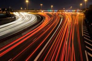 """Auch unter dem Begriff """"Schnellstraße"""" kennt man die Autobahn"""