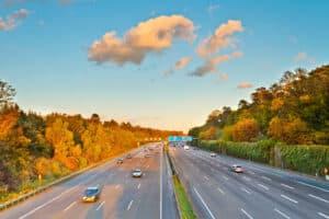 Rechtsfahrgebot: Auf der Autobahn besonders wichtig.