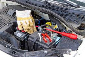 Der Totalschaden am Auto kann aus selbst repariert werden.