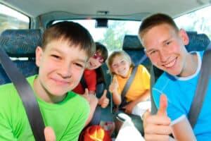 Der Führerschein mit 17 ist nur in Begleitung Erwachsener gültig