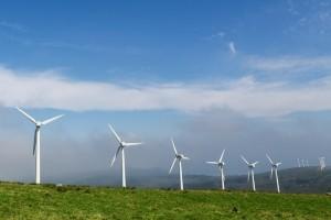 Klimaschutz: Die Umweltverschmutzung durch Kohlekraftwerke soll durch den Einsatz von Windrädern eingedämmt werden.