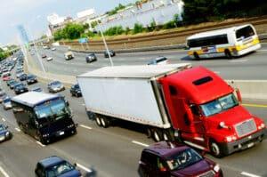 Überholen: Die StVO regelt auch diesen Aspekt des Verkehrs