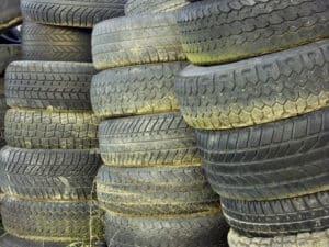 Alte Reifen gehören nicht auf den Sperrmuell