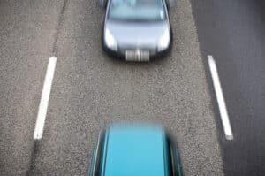 Der Bußgeldkatalog für die Nötigung im Straßenverkehr beinhaltet Strafen vom Fahrverbot über Punkte und dem Entzug der Fahrerlaubnis bis hin zur Freiheitsstrafe.