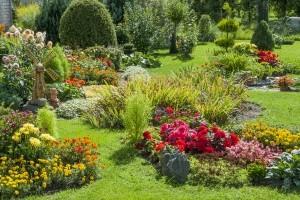 Gartenabfälle zu entsorgen, ist Voraussetzung für einen schönen Garten
