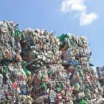 Recycling ist dem Ablagern auf einer Mülldeponie vorzuziehen.