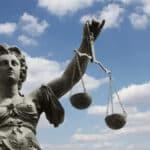 Ist ein Bußgeldbescheid ohne eine Unterschrift gültig?