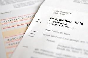 Wenn Sie den Bußgeldbescheid verloren haben, können Sie die zuständige Behörde kontaktieren.