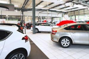 Die Fahrerlaubnisklassen B bzw. BE (für schwere Anhänger) sind für die Fahrt in einem neuen Pkw Voraussetzung.
