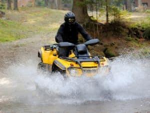 Die Prüfbescheinigungn der Klasse BF17 für begleitetes Fahren berechtigt auch zum Führen von Quads, Mopeds und Rollern.