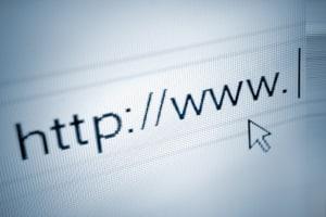 In einigen Zulassungsbehörden können Überführungskennzeichen mittlerweile auch online beantragt werden.