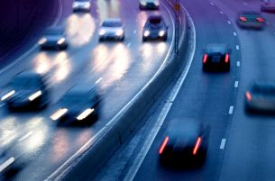 Ein Messgerät für jedes Fahrzeug - Laser Patrol kann den ankommenden und den abgehenden Verkehr überprüfen.