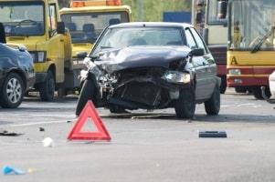 Verursachen Sie einen Unfall, weil Sie ohne Brille gefahren sind, hat dies einige Folgen.