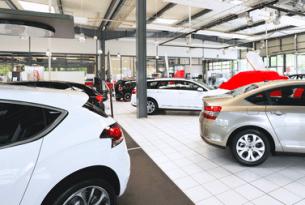 Ein DEKRA-Sachverständiger kann auch überprüfen, ob der neu gekaufte Gebrauchtwagen dem Standard an Qualitätsmerkmalen entspricht.