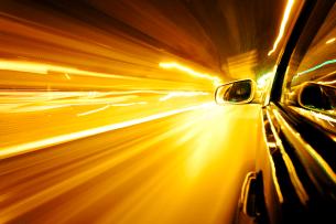 Die Geschwindigkeitsmessung mit LAVEG erfolgt schnell und genau. Die gefahrenen km/h werden durch die Messung der Entfernung ermittelt.