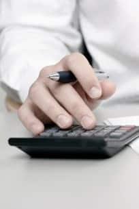 Privatgutachten:  Die Kostenerstattung übernimmt in der Regel die gegnerische Versicherung.