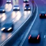 Abstandsmessung auf der Autobahn: Die Brücke bietet den Beamten einen guten Überblick über die Verkehrssituation.