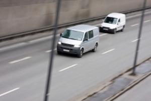 Die Abstandsmessung mit einem Sensor ist im Straßenverkehr eher unüblich.