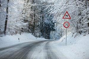 Die Gemeinden sind zum Schneeräumen per Gesetz verpflichtet.