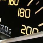 Wie schnell darf ein Bus fahren? Auf Autobahnen sind höchstens 100 km/h erlaubt - und auch nur für Reisebusse..