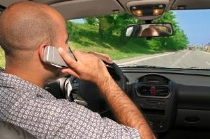 Wie können Sie gegen das Bußgeld wegen Handy am Steuer Einspruch einlegen?