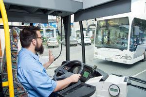 Wer darf öffentliche Verkehrsmittel führen?