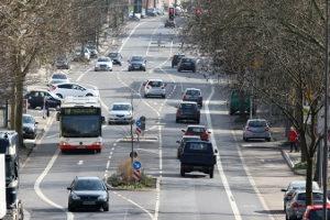 Öffentliche Verkehrsmittel erleichtern den Stadtverkehr erheblich.