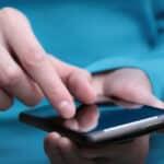 Was droht Ihnen, wenn Sie eine SMS schreiben am Steuer?