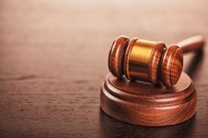 Bezüglich der Rechtsfolgen ist entscheidend, ob der Verbotsirrtum vermeidbar war oder nicht.