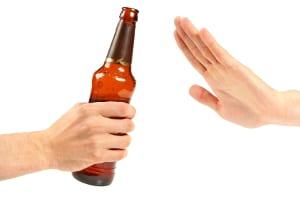 Was tun gegen Restalkohol: Loswerden können Sie diesen nur durch Abwarten.