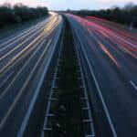 Welche Richtgeschwindigkeit gilt für Pkw und Motorräder auf Autobahnen? Hier erfahren Sie es!