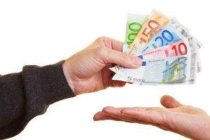 Schmerzensgeld: Die Dauer der Auszahlung darf nicht unbegrenzt in die Länge gezogen werden.