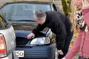 Schmerzensgeld nach Auffahrunfall: Bei Nackenschmerzen kommt ein Anspruch in Betracht.