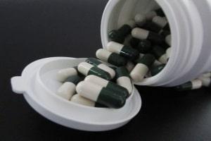 Autofahren: Nach einem Herzinfarkt können Medikamente die Fahrtauglichkeit beeinträchtigen.