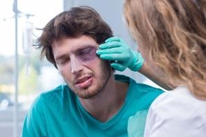 Schmerzensgeld nach einer Augenverletzung: Was kann verlangt werden?