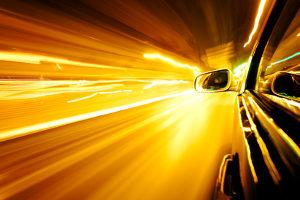 Wie funktioniert eine Geschwindigkeitskontrolle?