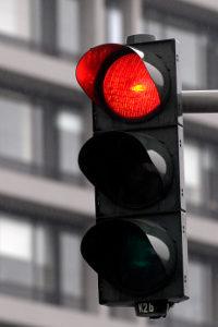 Probezeit: 1 Punkt droht mitunter bei einem Rotlichtverstoß.