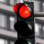 """Was ist unter dem Begriff """"qualifizierter Rotlichtverstoß"""" zu verstehen?"""
