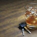 Unter Umstände eine mögliche Sanktion. Eine Geldstrafe für Alkohol am Steuer.