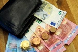 Das Bußgeld bei einem defekten LKW-Fahrtenschreiber liegt bei 75 Euro.