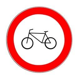 Ein generelles Fahrradfahrverbot schreibt das Zeichen 254 vor.
