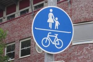 Amtlicher Radweg: Das Schild 240 kennzeichnet einen  solchen.